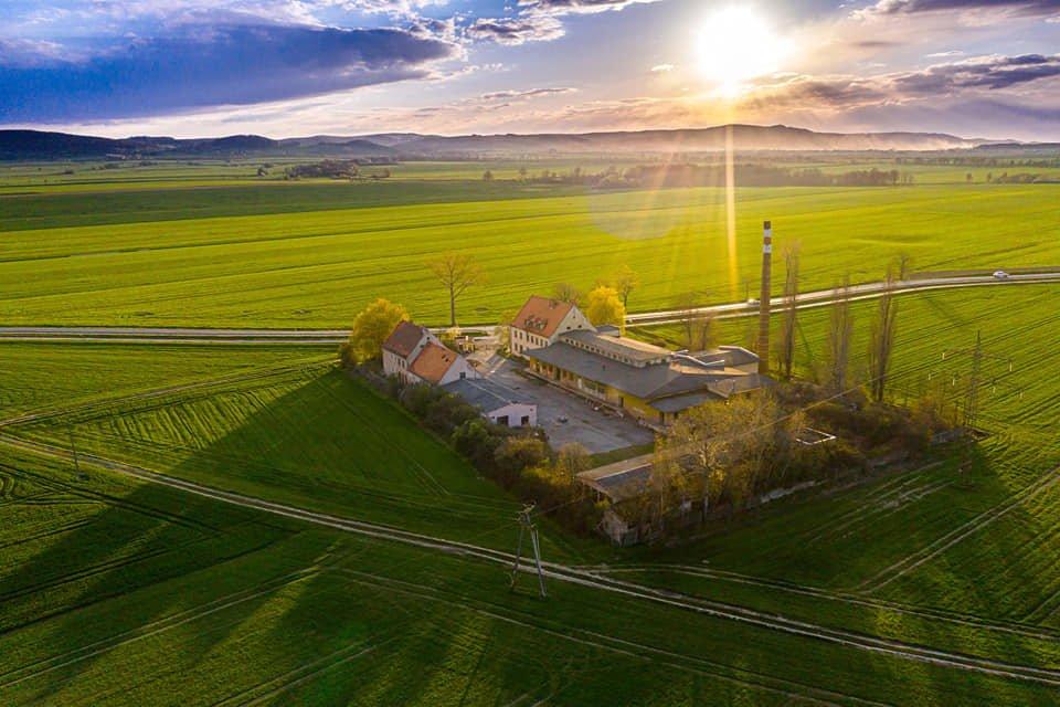 Nowy Inwestor i nowe perspektywy dla byłej mleczarni w Paszowicach! Posłuchajcie!